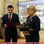 foto1-premiul-marii-uniri-primit-de-lacramioara-stratulat-manager-la-palatul-culturii-iasi